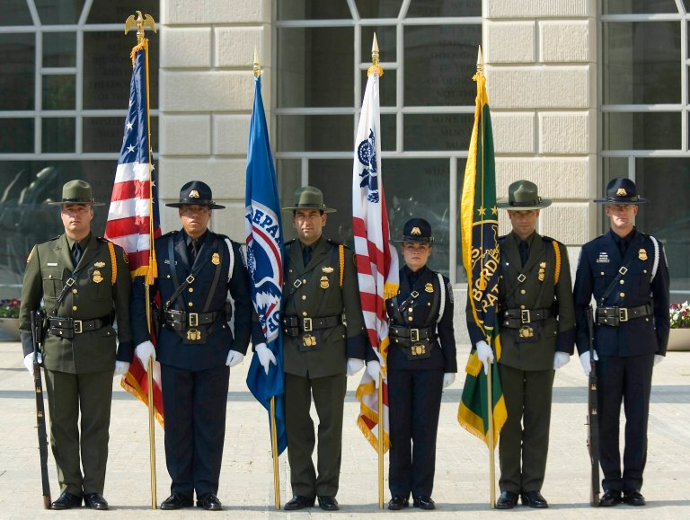 CBP_Officers_pay_tribute_2007.jpg